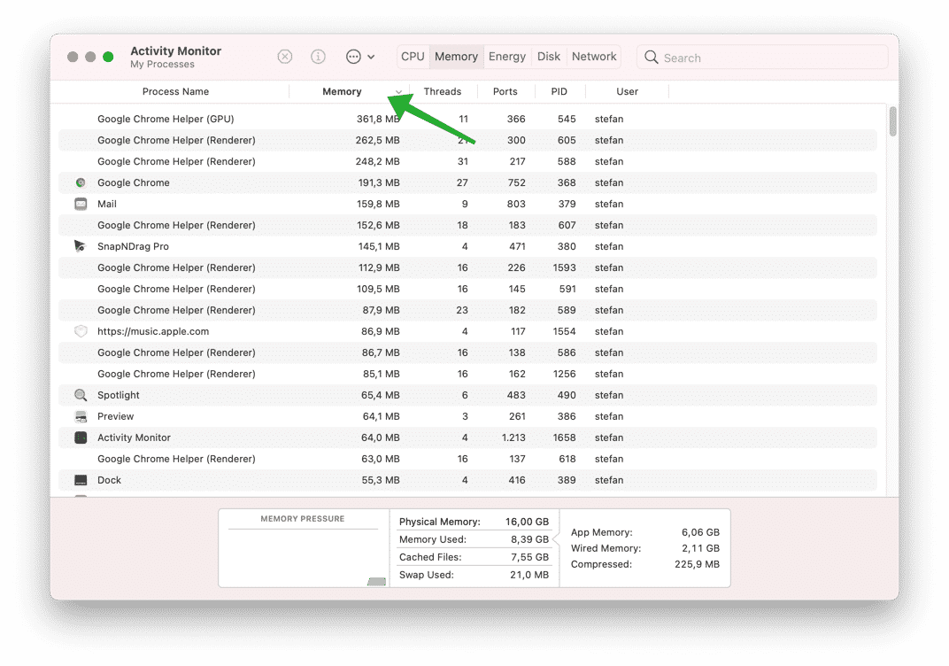 too many background app make mac slow